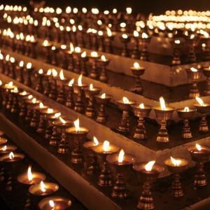 供十萬盞明燈